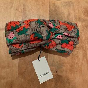 Gucci Silk Strawberry Turban Headband Twist size M